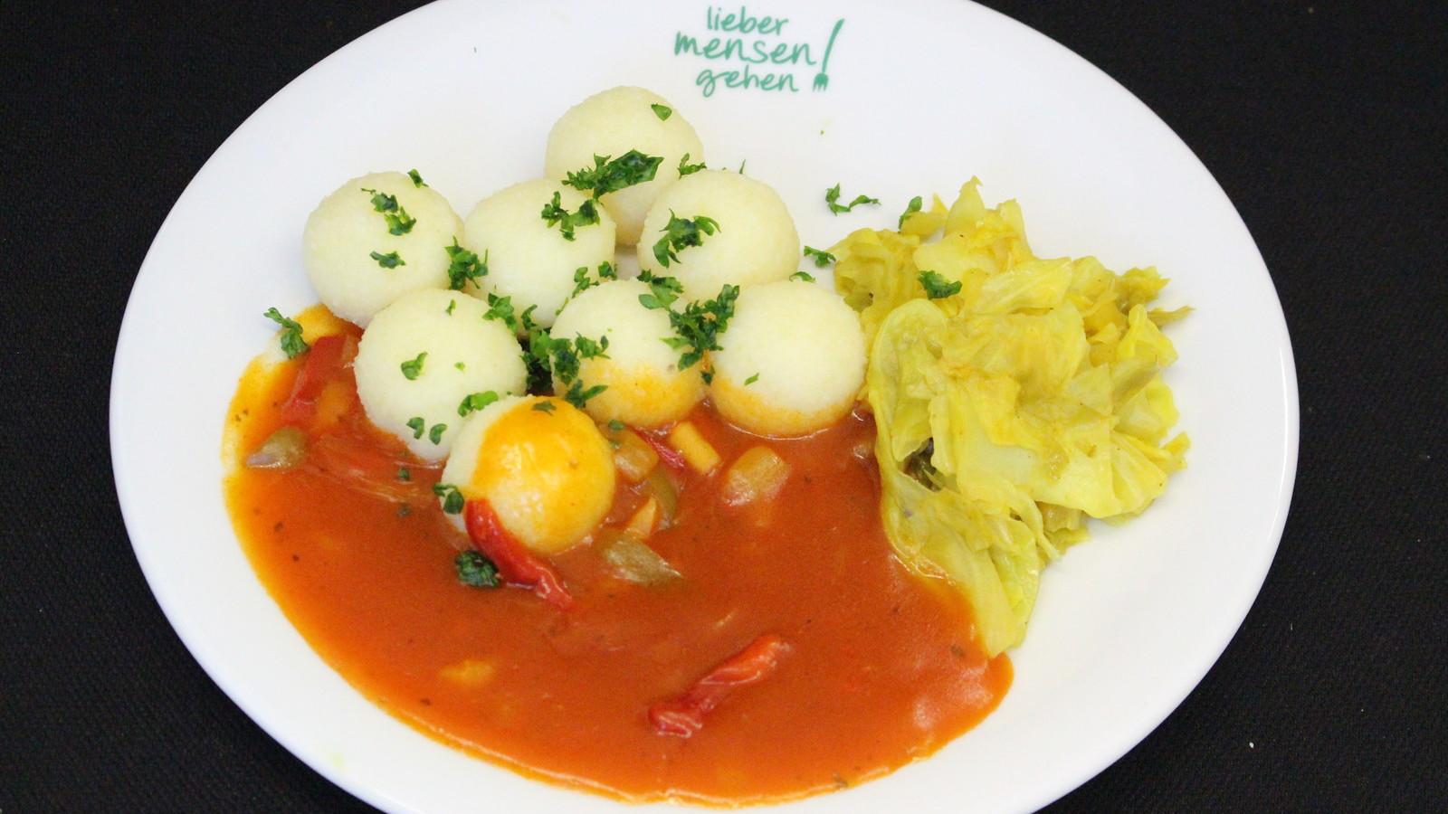 Gratinierte Hähnchenbrust mit Paprika, Tomaten, Oliven und Hirtenkäse oderHähnchenschnitzel mit Paprikasoße und Spitzkohl-Apfel-Currygemüse, dazu Reis